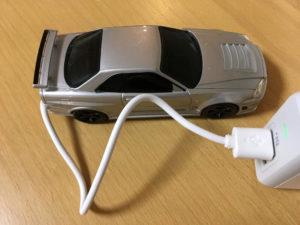 R34GT-Rモバイルバッテリーの充電コードの画像