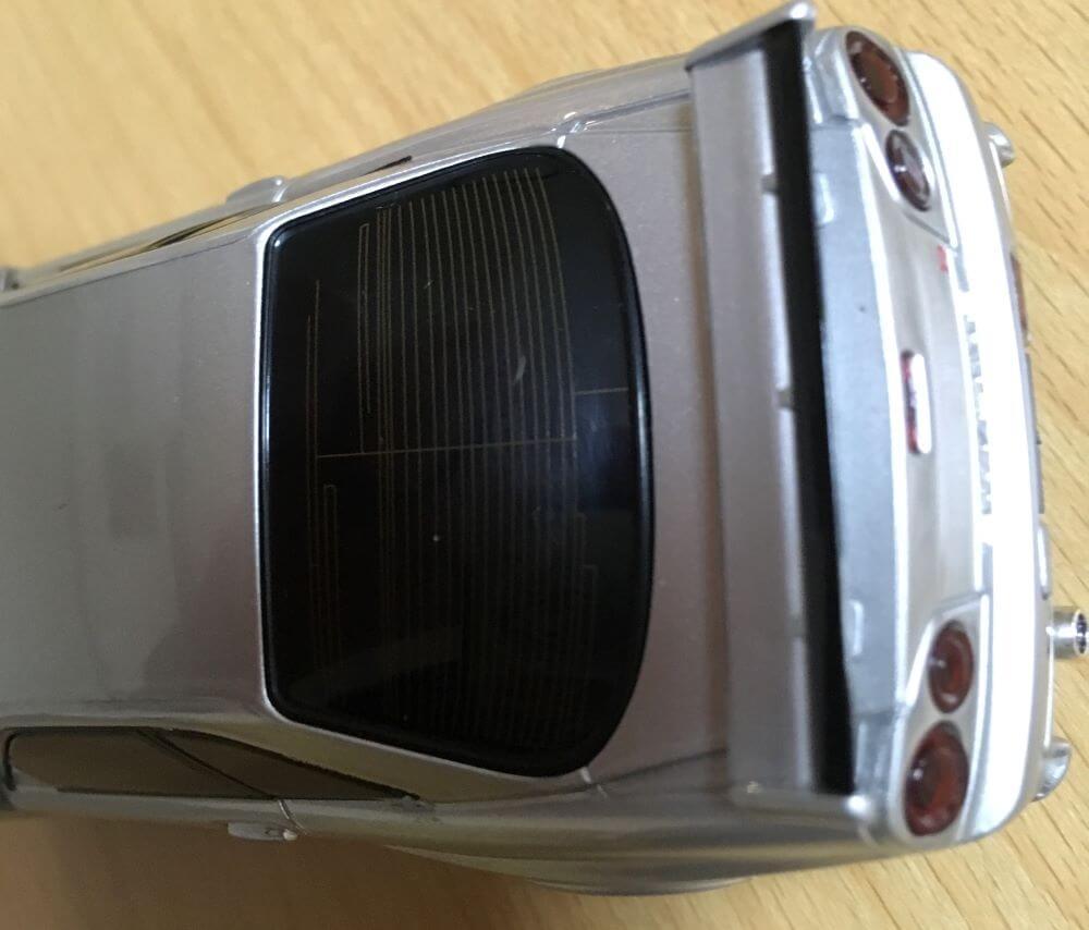 R34GT-Rモバイルバッテリーのリアウィンドウの画像